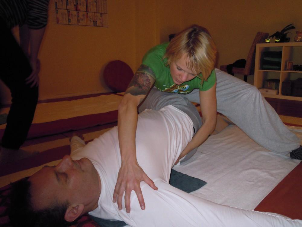 Shiatsu Rücken Neukölln Workshop by Birgit Strauch Shiatsu Massage ThetaHealing